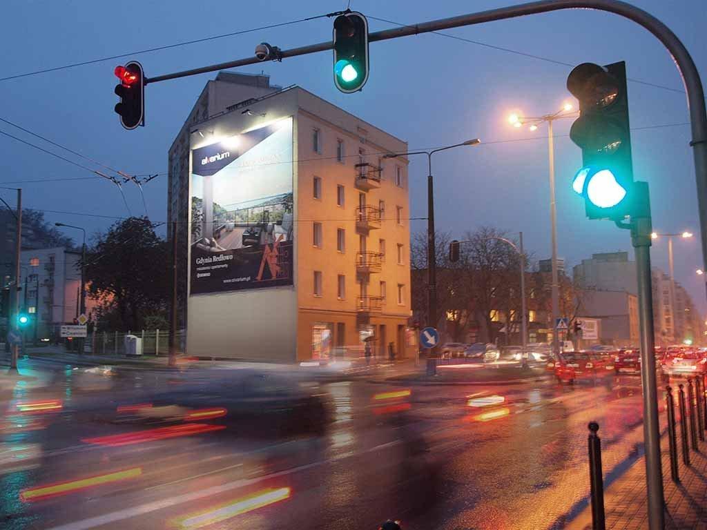 powierzchnie wielkoformatowe reklama wielkoformatowa na elewacjach / large format advertising on facades / großformatige Werbeflächen Werbung an Fassaden