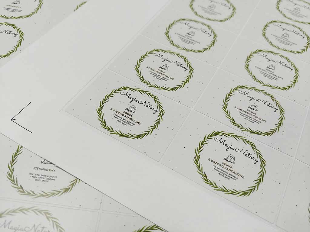 etykiety samoprzylepne produktowe naklejki druk drukarnia Gdańsk / self-adhesive labels product labels stickers printing Poland / selbstklebende Etiketten Produktetiketten Produktaufkleber selbstklebende Aufkleber Druck Druckerei Polen