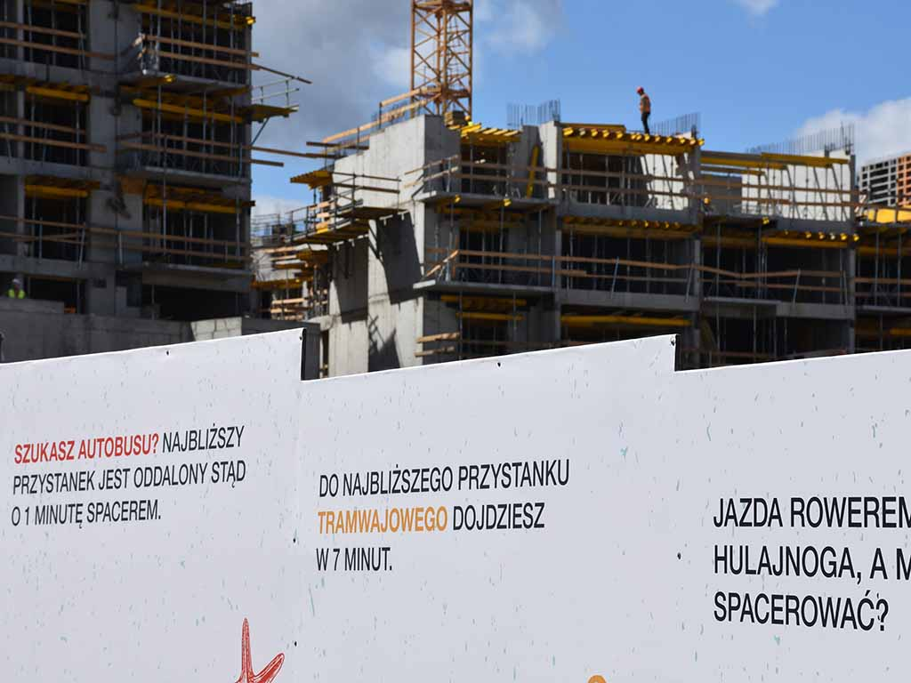 banery na ogrodzenia budowlane / banners for construction fences / Banner für Bauzäune